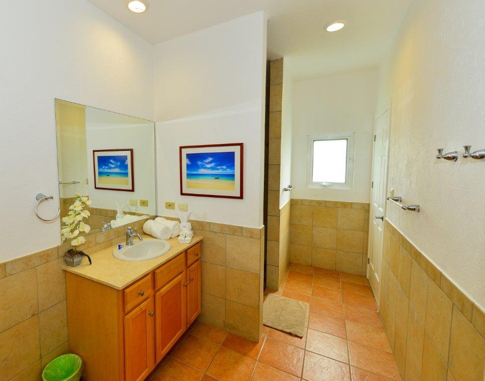 Cozumel Villa Coralina Gest Bathroom 2